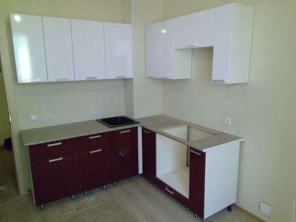 Кухня Шарлота в цвете белый глянец бордо